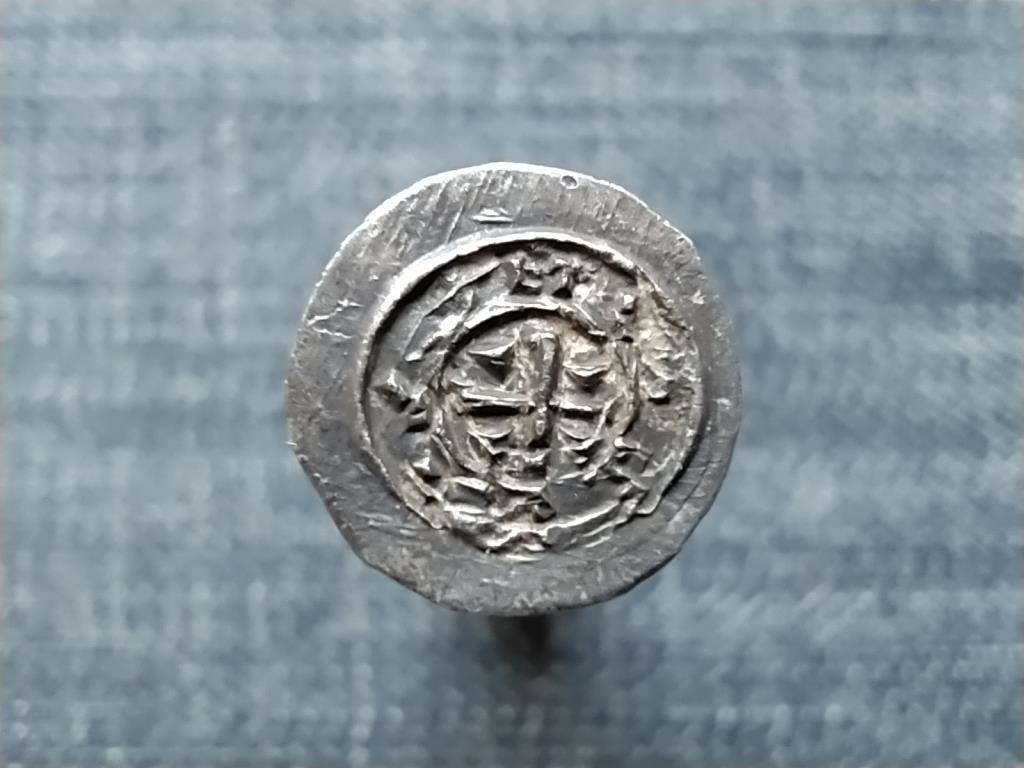 Könyves Kálmán (1095-1116) ezüst Dénár ÉH30
