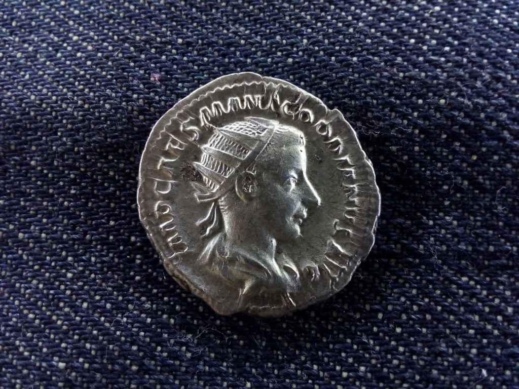 III. Gordianus ezüst Antoninianus AEQVITAS AVG 240