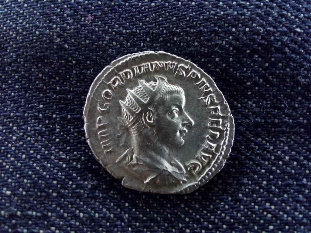 III. Gordianus ezüst Antoninianus AETERNITATI AVG 241-243