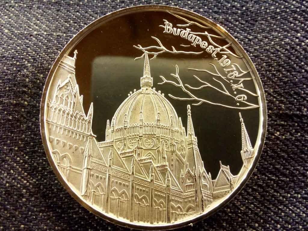A koronaékszerek hazajuttatása .925 ezüst tükörveret, 27 gramm