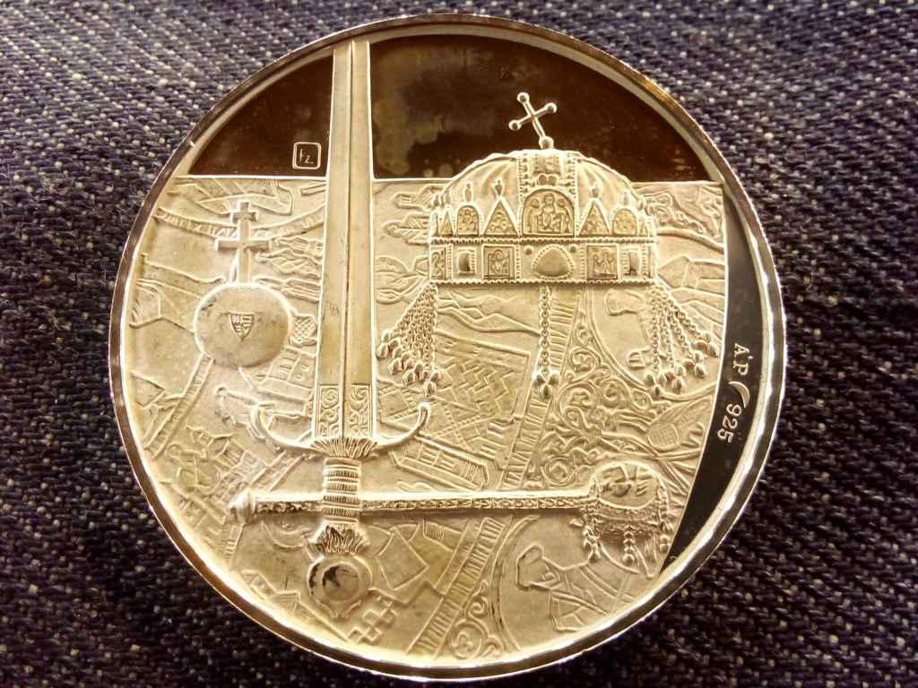 A koronaékszerek hazajuttatása .925 ezüst tükörveret, 20 gramm